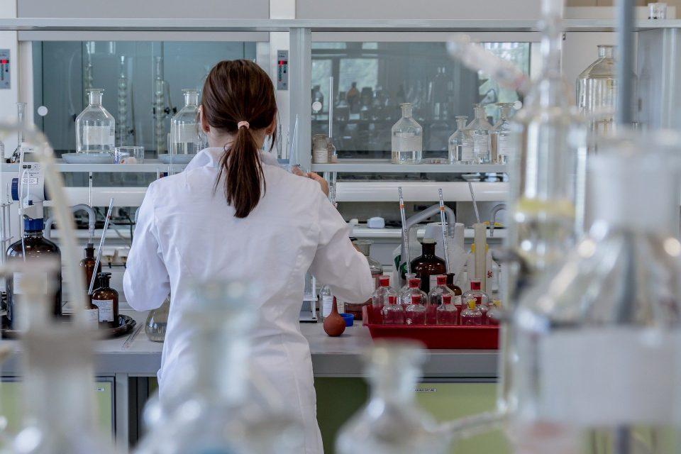 Филипче: Лабораториите за тестирање се оптеретени, се бара решение за нови термини