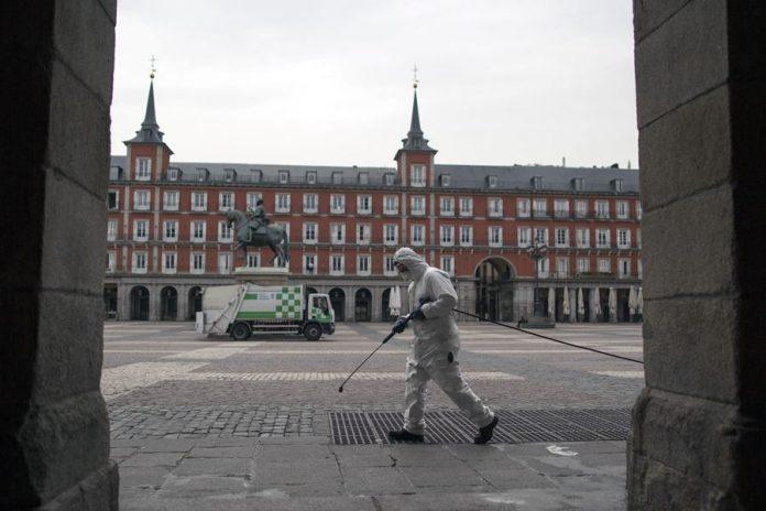 Нов црн рекорд во Шпанија, во еден ден починаа 849 луѓе од ковид-19