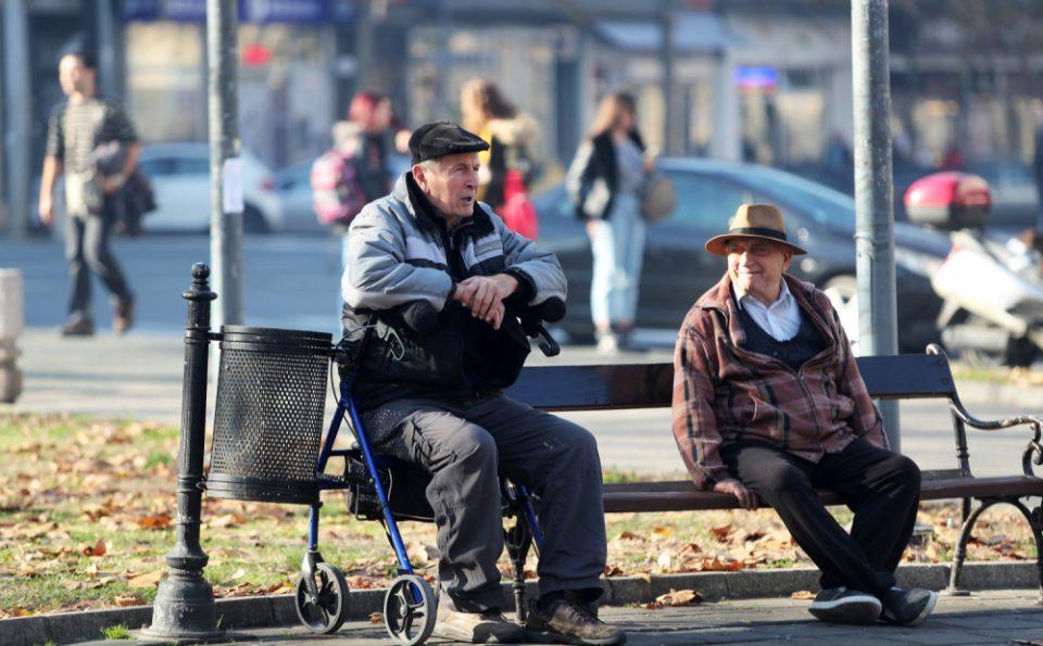 Задолжителото пензионирање на различна возраст за мажи и жени е дискриминација
