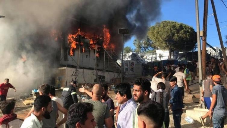Целосно изгоре куќа во Желино