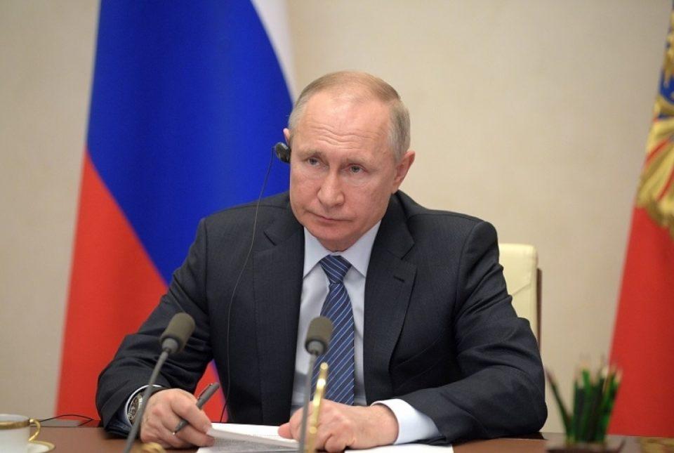 Предупредување од човекот од доверба на Путин: Лекарот нема добри вести во борба против корона вирусот