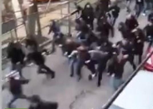 Kога ја видоа полицијата се разбегаа:Жестока тепачка помеѓу навивачите на Партизан и Ѕвезда