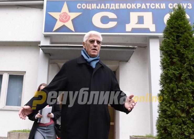 Тито Петковски бара референдум за бугарските услови