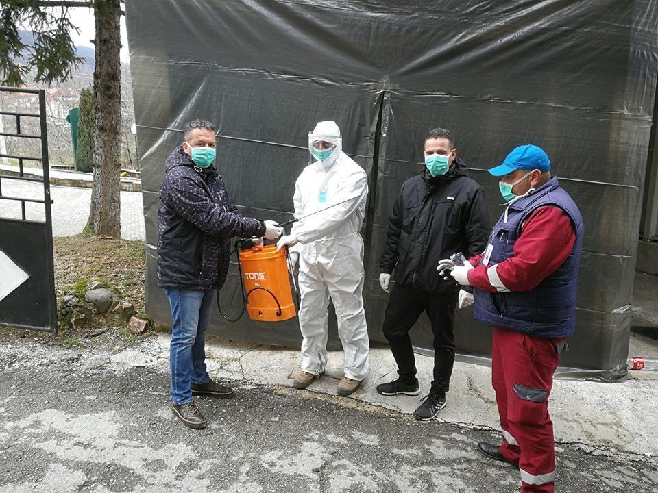 Прскалка за лозје, донација од градоначалникот на Вевчани