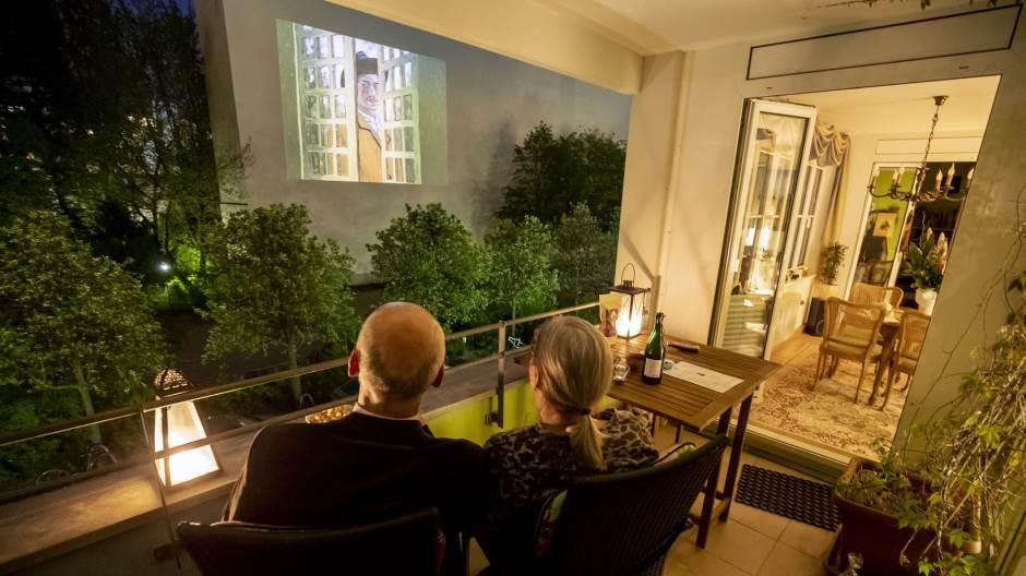 Филмски фестивал во карантин: Белите фасади на Берлин го заменија филмското платно
