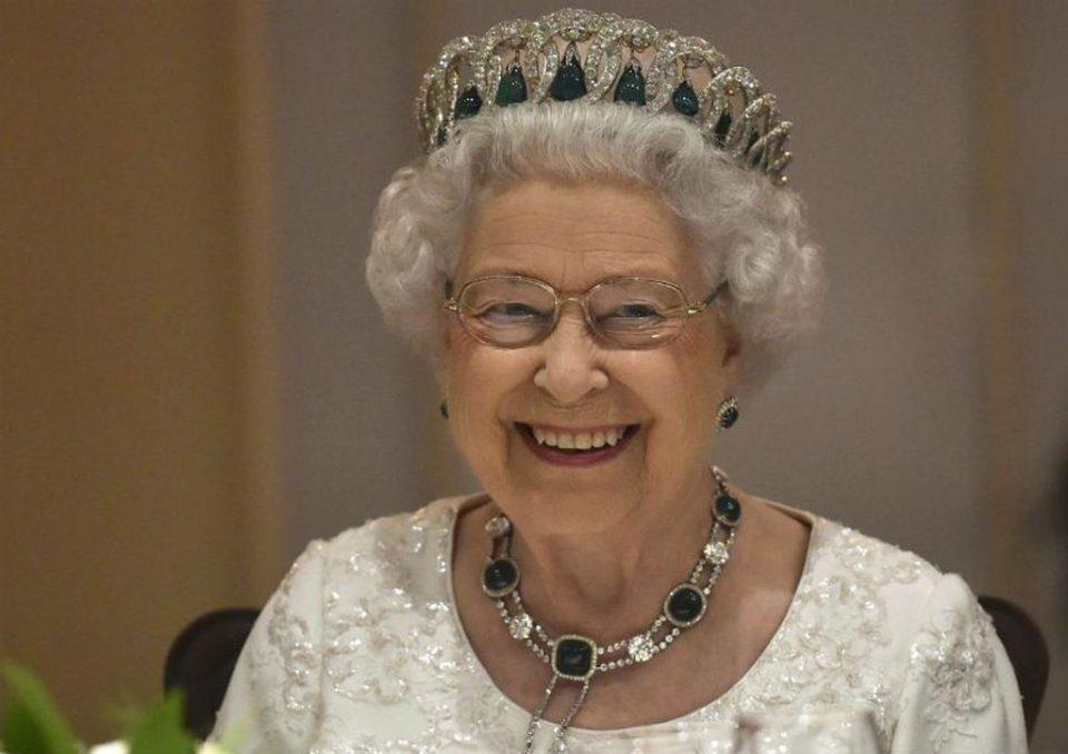 Кралицата Елизабета се обрати на нацијата: Ќе бидеме со нашите пријатели повторно, со нашите фамилии, ќе се сретнеме повторно
