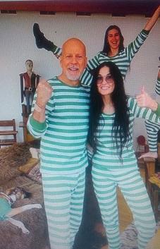 Деми Мур и Брус Вилис заедно во карантин