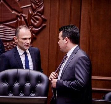 На секого му е јасно дека Комисијата за заразни болести дејствува како партиска испостава под директива на Заев и на Филипче