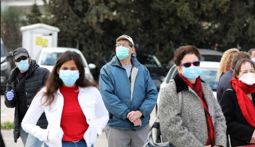 Од денеска во Бугарија се задолжителни маските на отворено ако има повеќе лица