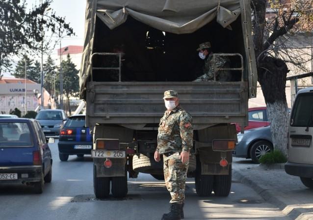 Беше актуелна во короната: Прогласена кризна состојба, Армијата излегува на терен