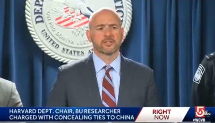 Во САД уапсен човекот за кој се смета дека го произвел и го продал коронавирусот