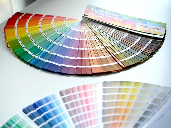 Како боите влијаат на расположението и емоциите