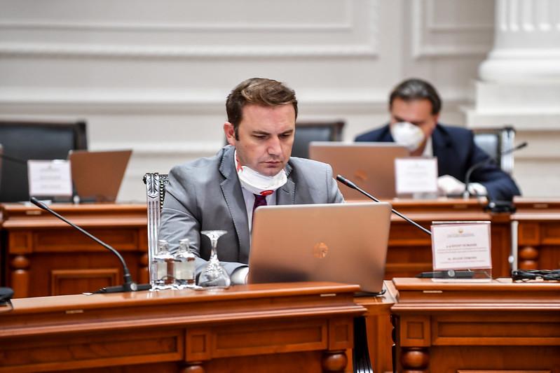 Османи призна дека текстот со македонски јазик во ЕУ е само нацрт-верзија