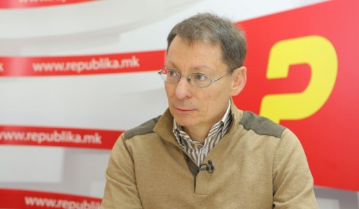 Д-р Докиќ: Пикот на коронавирусот ќе зависи од верските празници, ако луѓето се собираат, ќе биде фатално