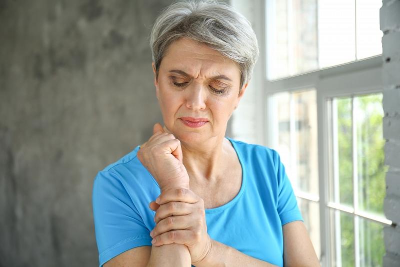Прeпорaки за заштита од ковид-19 на хронични пациенти со ревматски заболувања