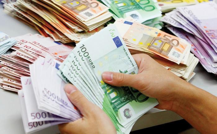 Коронавирусот ја зарази и економијата: Еврообврзницата ќе се премостува со краткорочни кредити