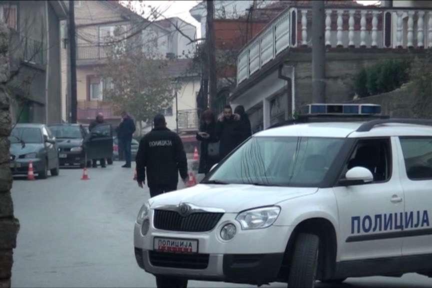 25-годишен полицаец со прегази пешак, мажот хоспитализиран со тешки повреди