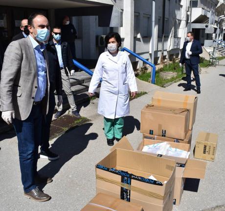 Донација на заштитна опрема од МВР за Општата болница во Куманово