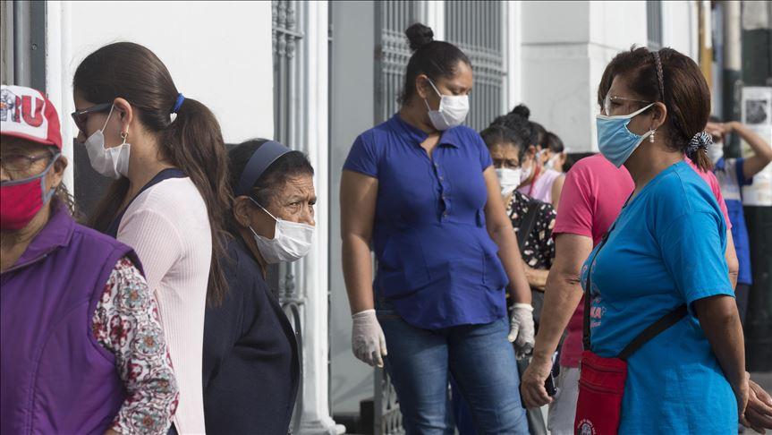 Во среда излегуваат само мажите, сабота жените – какви мерки има низ светот за коронавирусот