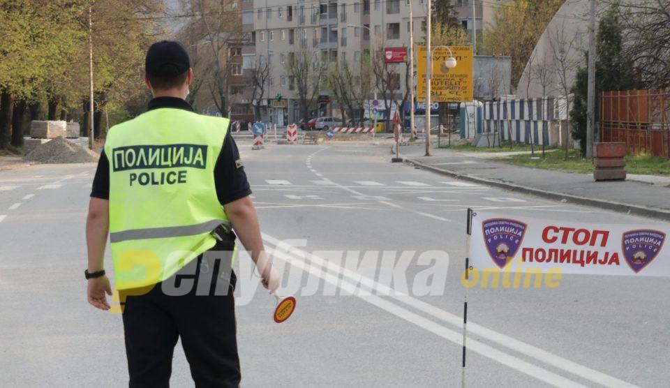 Тасевски: Сите мерки низ цела епидемија им беа донесени под капата на политиката