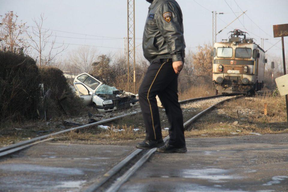 """Тешко повреден маж откако воз налетал во неговото """"ауди"""""""