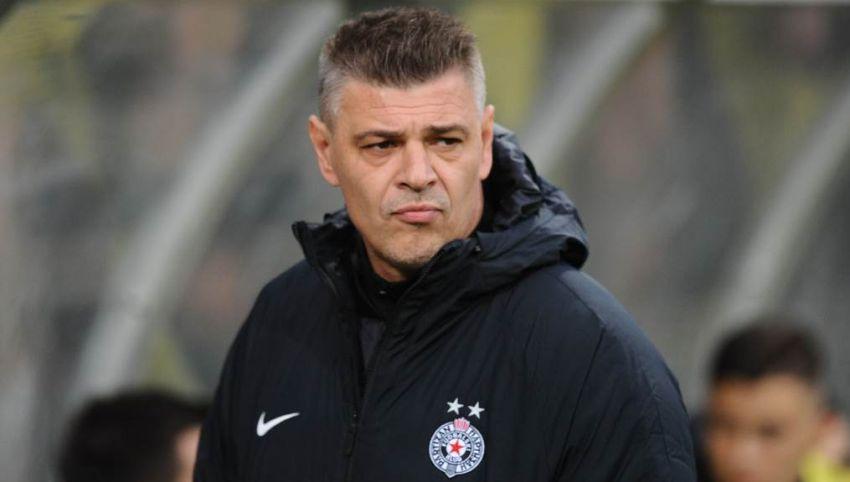 Навивачи на Партизан го шамарале Саво Милошевиќ во кафеана, стратегот заминува од клубот!
