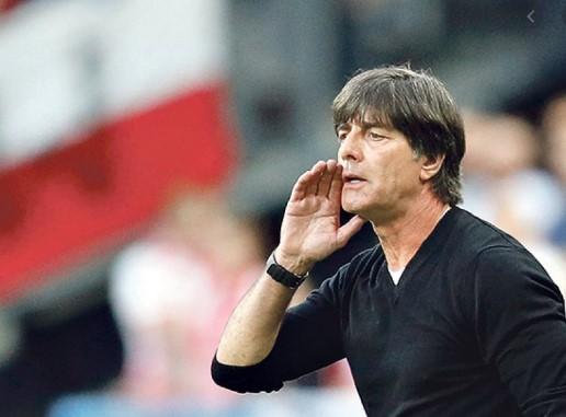 Селекторот на Германија е воодушевен од ентузијазмот на играчите во Бундес лигата