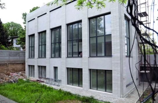 Луксуз на сите страни: Горан Бреговиќ гради куќа од милион евра