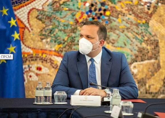 Муцунски: Од два и пол месеци вонредна состојба, техничкиот премиер еден месец е во карантин