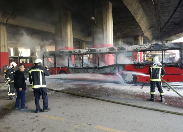 """Автобусот кој изгоре кај Жалезничка е на """"Слобода превоз"""", возел на линијата """"45"""""""