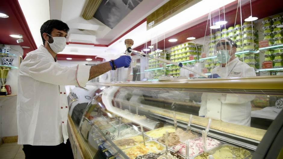 Научно откритие: Сладоледот ќе се прави од пластичен отпад
