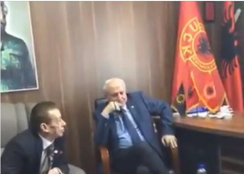 Албанското лоби сакало да дојде до Трамп преку фотограф кој имал разголени слики од Меланија