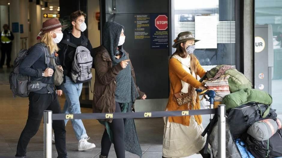 Чешка, Словачка и Унгарија договорија ограничено патување за нивните државјани