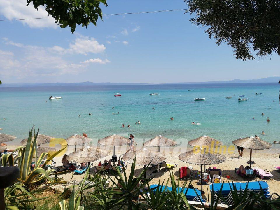 Ќе ги сонуваме грчките плажи: Продолжена забраната за влез за македонски државјани