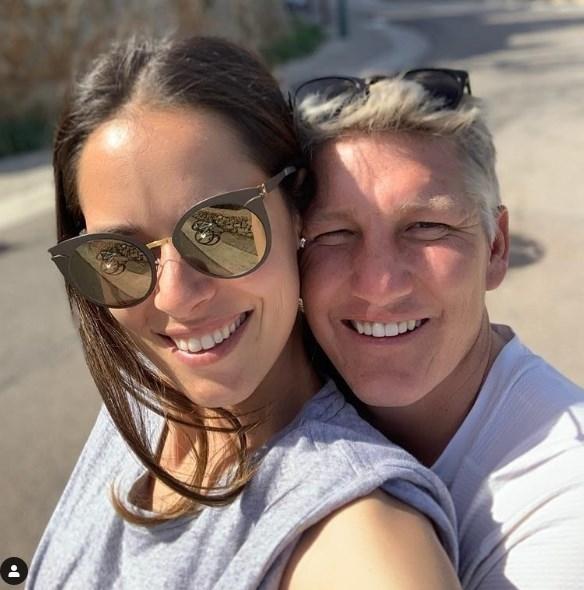 Ана за сопругот Бастијан: Мојот соиграч и најдобар татко!!