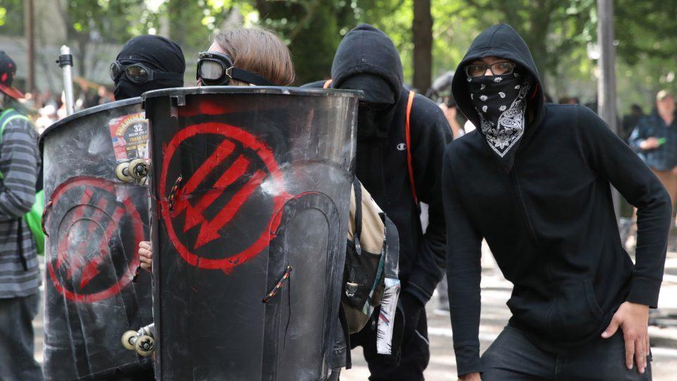Трамп ја прогласи АНТИФА за терористичка организација