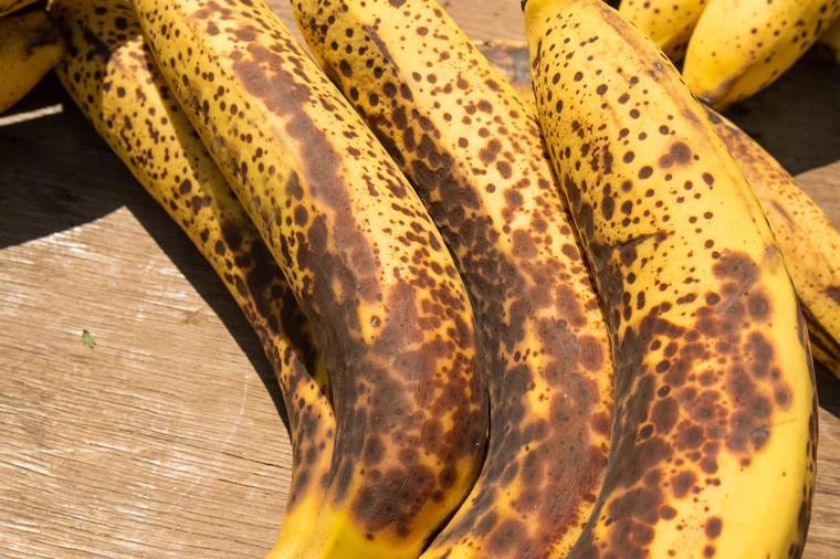 Ставете презреана банана во кеса со ориз, резултатот ќе ве изненади