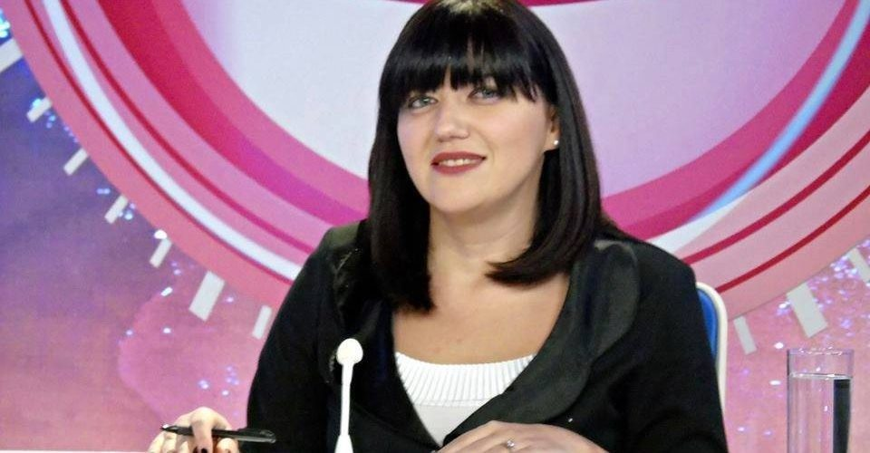 По гостувањето на Зекири во ТВ24 новинарката Мрѓа оди на домашна самоизолација 14 дена