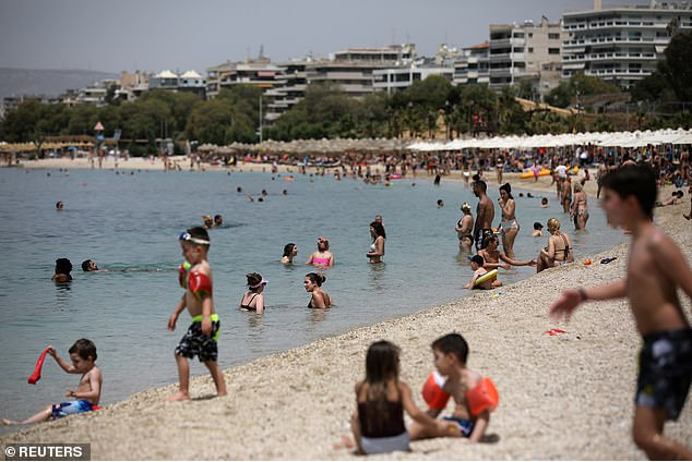 Ниту тест, ниту карантин за Грција? Мицотакис ќе соопшти официјално денеска