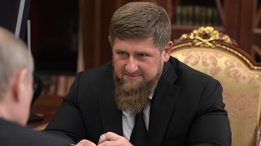 Со авион итно бил пренесен во Москва: Поради Ковид-19 хоспитализиран и чеченскиот лидер Кадиров?