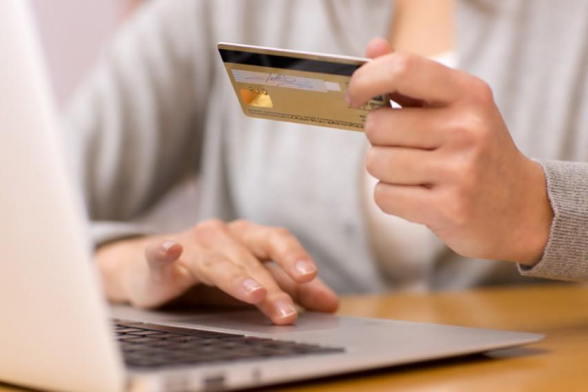 Народна банка: Граѓаните и компаниите сè повеќе плаќања вршат преку кредитните трансфери и платежните картички
