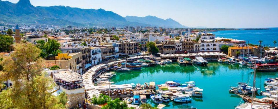 """Кипар ги повикува туристите и ветува: """"Ако се заразите со коронавирус, ние ви го плаќаме лекувањето"""""""