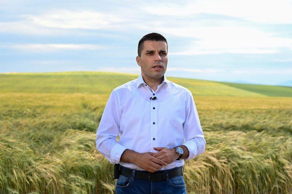 Видеообраќање на Николовски до земјоделците за пакетот мерки наменет за нив