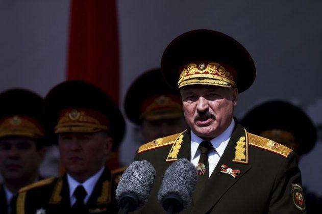 Лукашенко освои 80 посто од гласовите, неговата противкандидатка вели дека поголемиот број од граѓаните се со неа