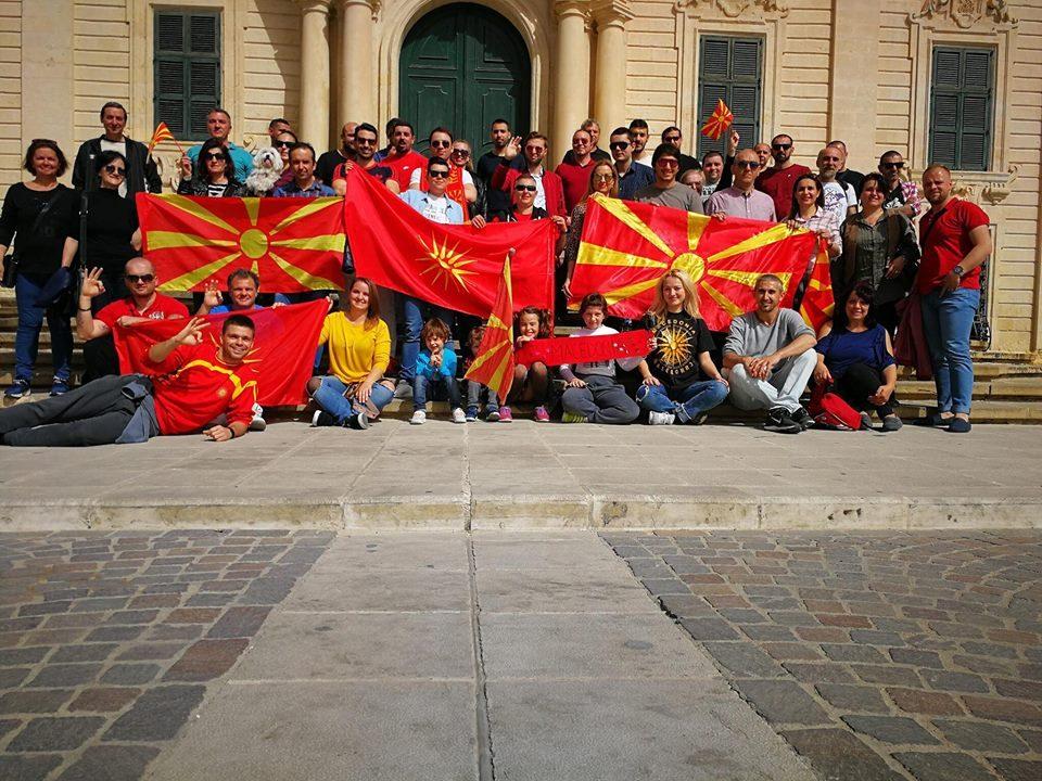 Македонска заедница во Малта до Рашковски: Што е хуманитарно во четири пати поскап лет?