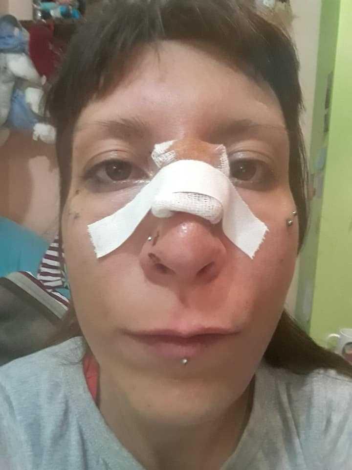 Таткото кој ја претепа ќерката во полициска станица
