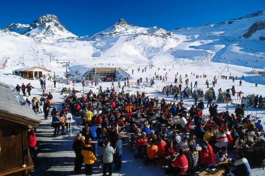 Вкупно 55 тужби до скијачкиот центар во Австрија од каде што почна да се шири коронавирусот