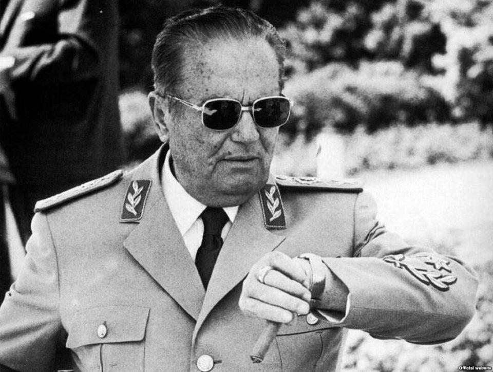 """Кога е бал нека е маскенбал: Дали Шилегов ќе го врати името """"Маршал Тито"""" на улица """"Македонија""""?"""