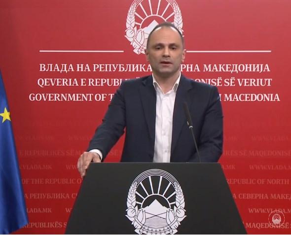 Филипче: Или ќе продолжиме да го враќаме животот во нормала почитувајќи ги безусловно мерките или ќе се враќаме назад кон силни рестрикции