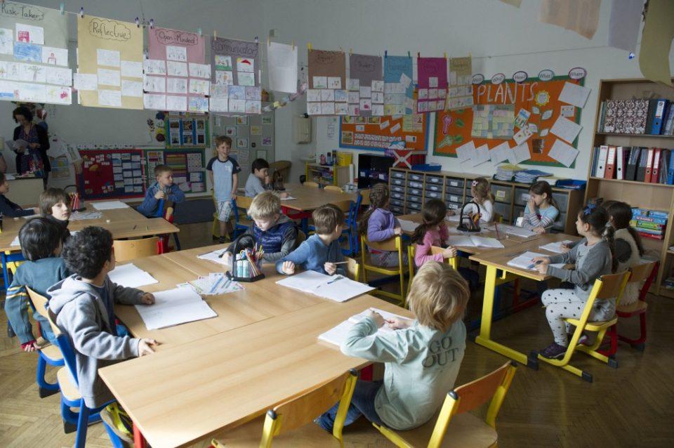 Во Виена е затворено основно училиште поради сомневање за Ковид-19